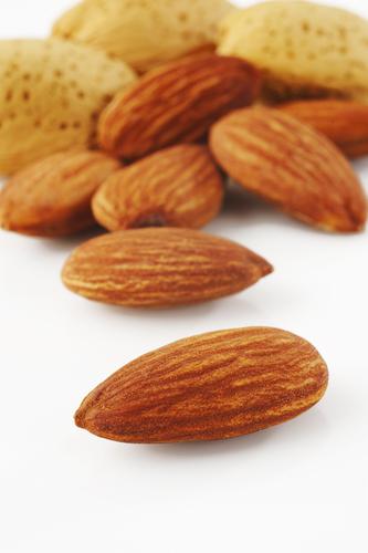 миндаль снижает холестерин