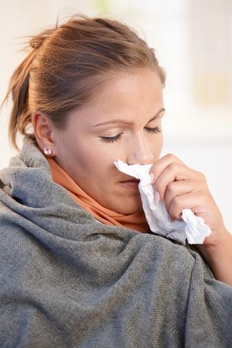 при аллергии отекает горло что делать