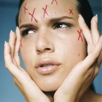 Стресс назван ключевой причиной кожных проблем