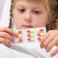 Почему врачи назначают антибиотики при ОРВИ