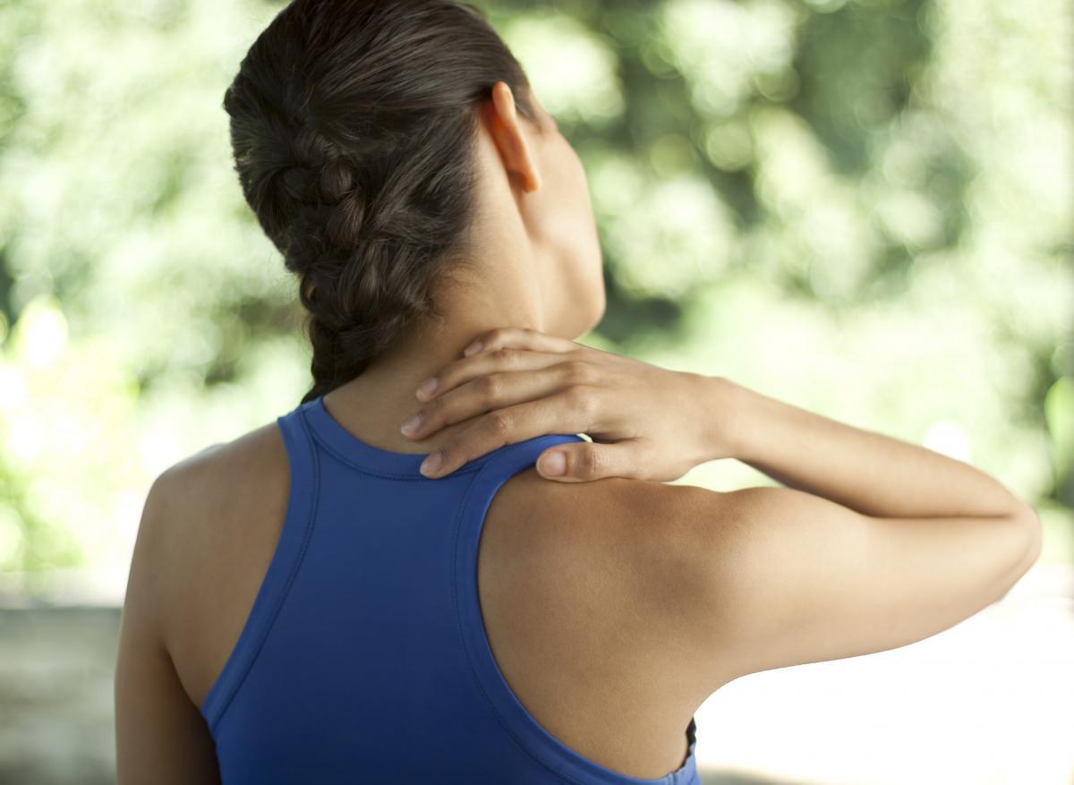 Когда болит шея как лечить в домашних условиях