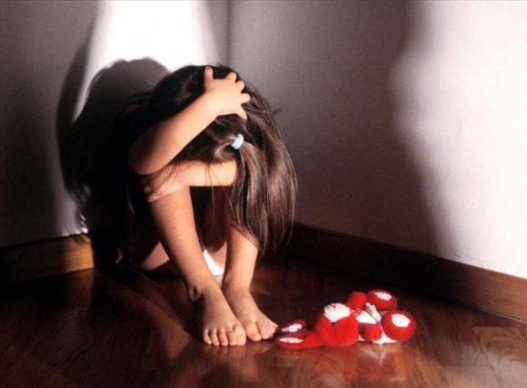 ВСевастополе отчим семь лет насиловал малолетнюю падчирицу