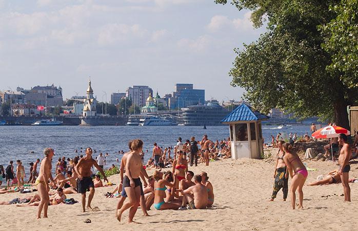Киевлянка подхватила опасную болезнь на пляже