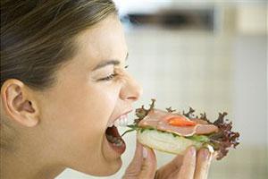 Дети болеют от бутербродов с колбасой