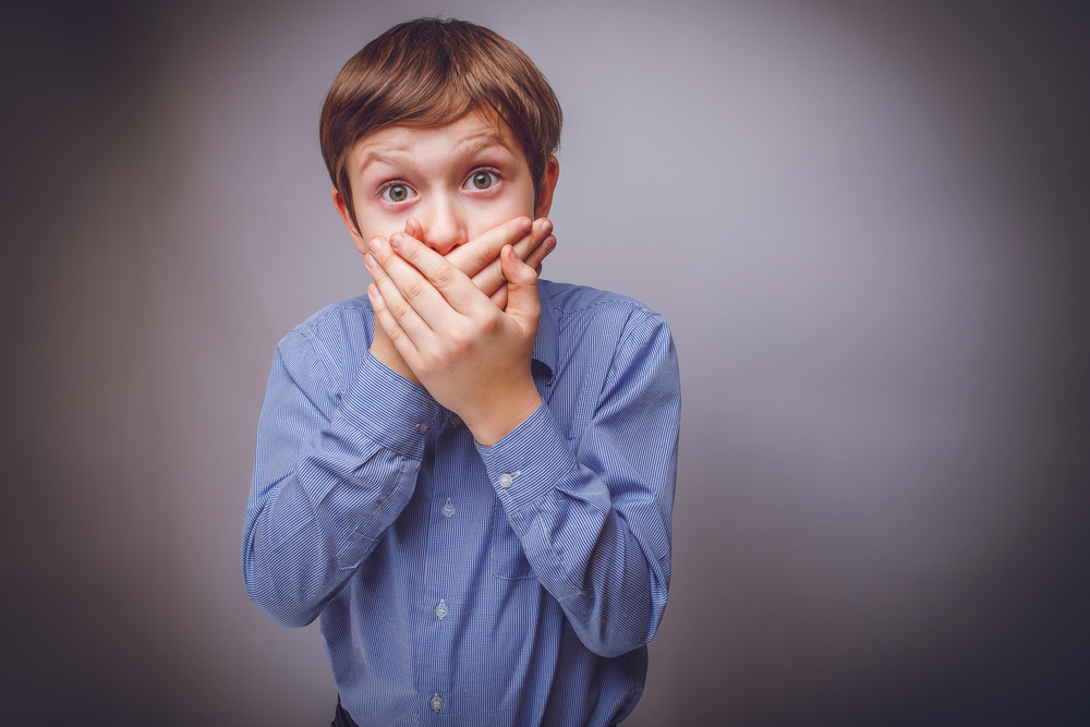 запах рыбы изо рта у маленького ребенка