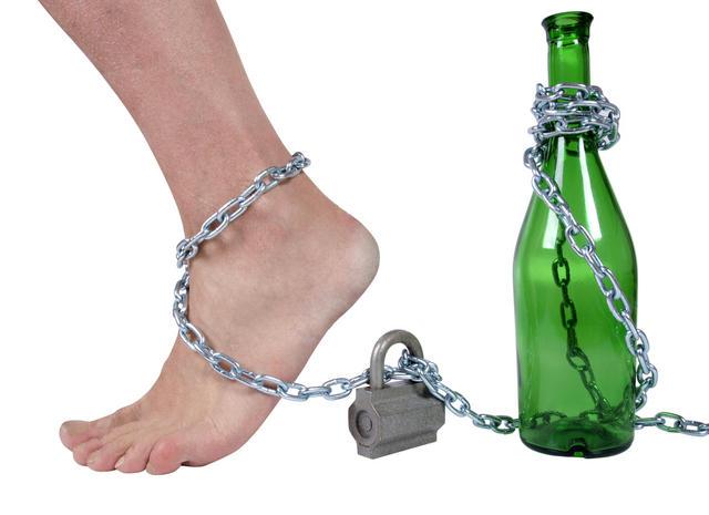 Алкоголь – в тройке причин смерти