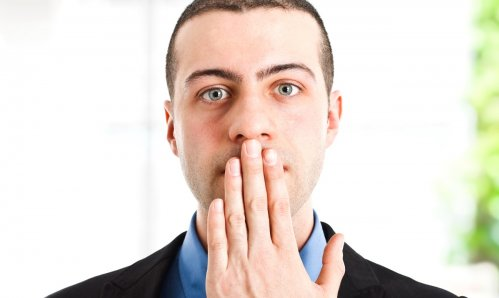 запах изо рта чесноком при каком заболевании