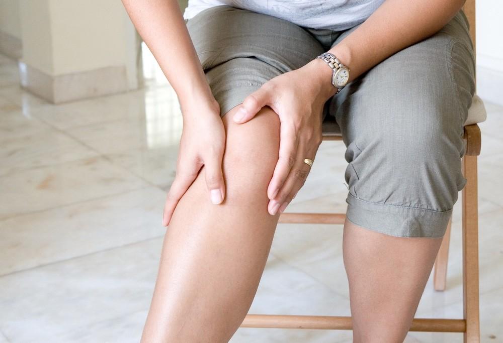Артрит суставов заболевание опухоль и боль в коленном суставе