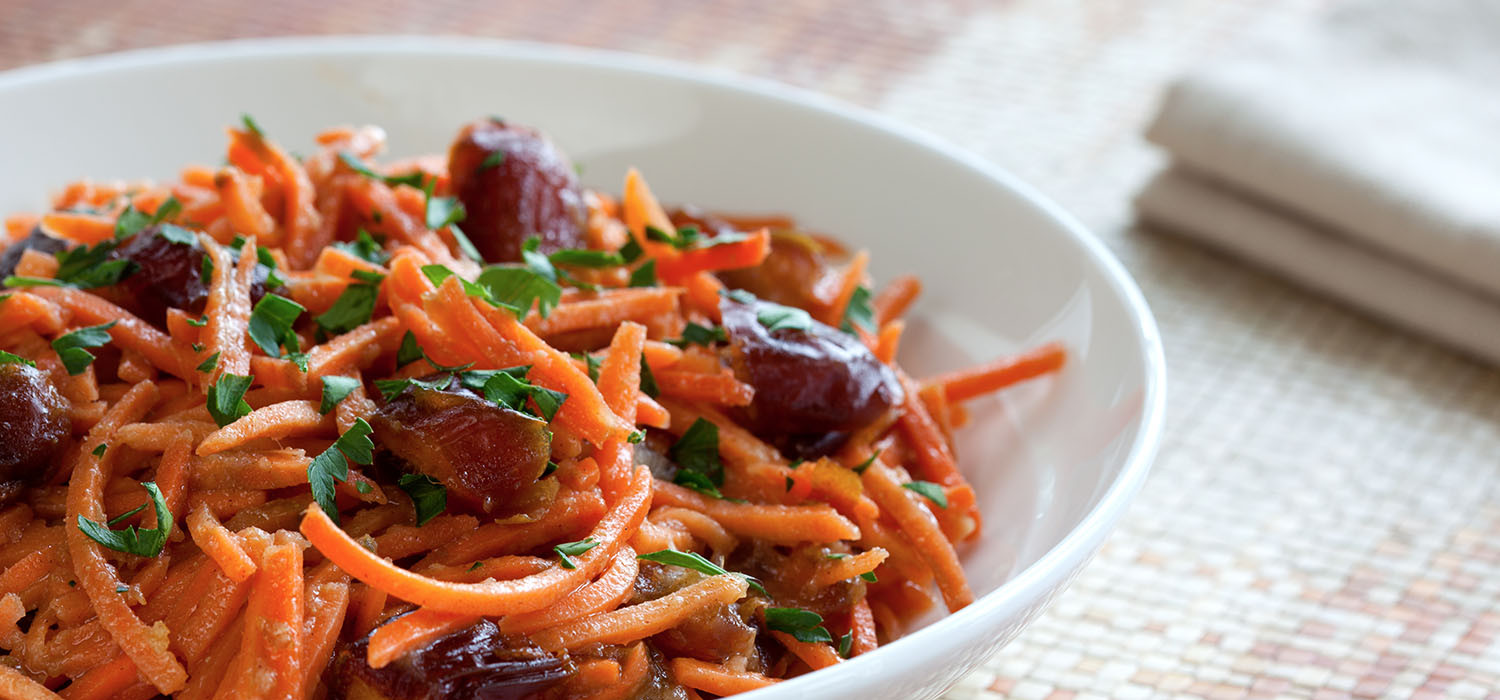 Carrot and dates salad