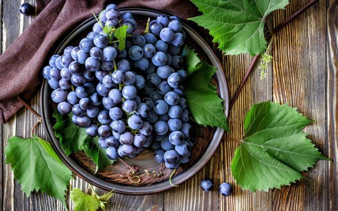 Сколько винограда можно съедать в день