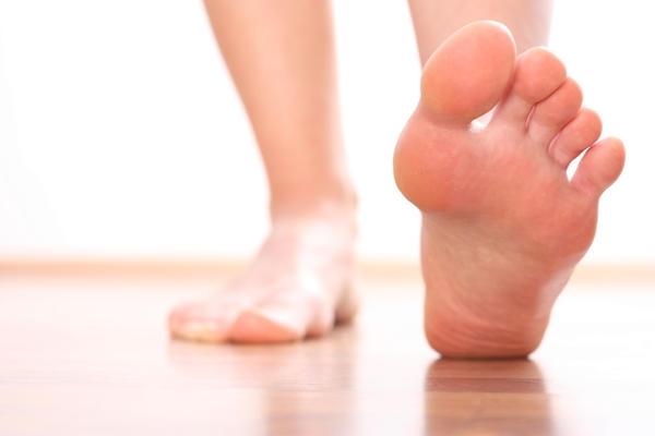 Боли в пятке - причины появления симптома, способы лечения