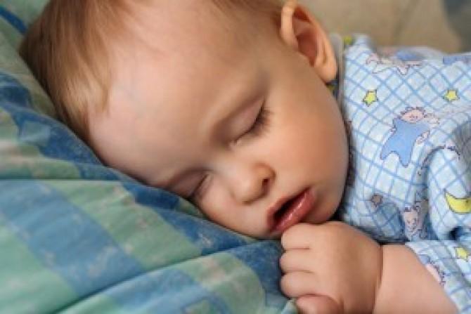 Что делать если не можешь уснуть от храпа